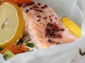 Papillote saumon légumes baies roses