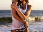 Jessica Alba bikini dans