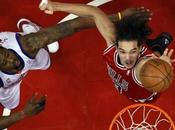 Joakim Noah Spurs coulent Dallas