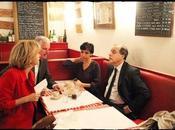 Rencontre sommet dans café parisien...