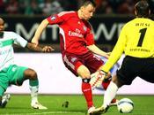 Foot Xpress UEFA Finale Aller Kiev n'en profite pas, Hambourg prend option