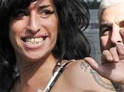 Winehouse remplace drogue l'alcool
