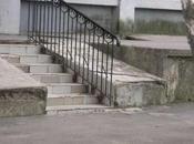 Rampes d'accès pour personnes fauteuil roulant.