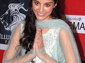 Giselle Monteiro dans nouveau film Bollywood...