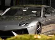 Lamborghini Estoque dans rues Cologne