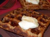 Gaufres flocons d'avoine sauce caramel beurre cacahuètes