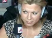 Cindy lâche scoop dans d'NRJ (VIDEO)