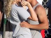 Taylor Swift avoue être avec Lautner