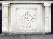 stèle maçonnique Rochecorbon (37)