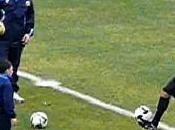 Vidéo: Ronaldo maltraité gosse ouzbek
