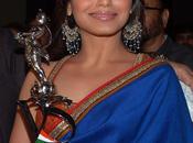 """Rani remporte """"Shantaram Award"""" pour rôle dans Bole Haddipa"""