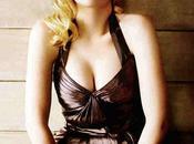 Scarlett Johansson reine décolleté