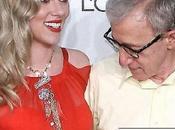 Woody Allen bloqué seins Scarlette Johansson
