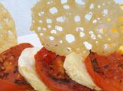 Tranches tomates grillées, tuiles parmesan vinaigrette agrumes
