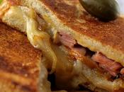 """Grilled cheese"" compote poires d'oignons"