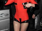 Lady Gaga joue playmobil