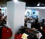Quelques femmes dans magasin H&M Toulouse