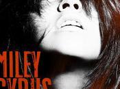 Miley Cyrus ras-les-fesses