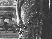 Vert pâle Alla Nazimova.