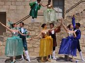 Festival Lacoste, Casanova habillé Pierre Cardin