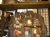 SACRO PROFANO Preparazione artigianale presepi artistici costruiti secondo tradizione cristiana impregnata dalla fede viva effervescente popolo napoletano.