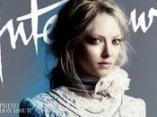 belle Amanda Seyfried pose pour Interview Magazine