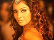 Bipasha Basu sera item girl dans Murder