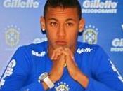 Santos Neymar l'égal Messi