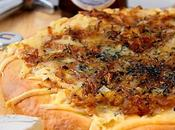 Pizza Gorgonzola oignons caramélisés Blanche Chambly (croûte maison Blanche)