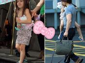 Suri Cruise quitte York avec peluche Hello Kitty