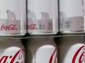 création nom, marque, Coca Cola change couleur