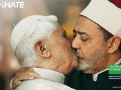 pape embrasse imam pour Benetton