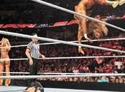 Bella Twins victorieuse face Kelly
