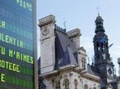Paris s'illumine pour Saint-Valentin