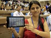 Aakash Tablet generation tablette