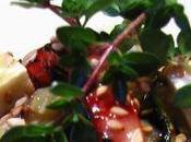 Celle mélange saisons: gaufre l'olive noire légumes grillés