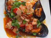 Poelee coquillage crevette saumon tomates chorizo