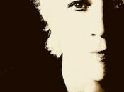 Françoise Hardy revient avec nouvel album livre.