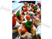Bouchees aperitives confit d'ail coulis poivrons