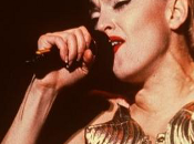 Madonna euros récoltés pour vente corsets Jean-Paul Gaultier