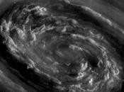 Sale temps Saturne Cassini photographie impressionnante tempête