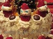 Gâteau fêtes décoré avec fraises père Noël