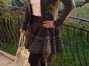 Petite jupe asymétrique folklorique bottes franges