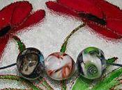Mettez perles uniques dans créations