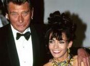 Johnny Hallyday oublié signaler divorce avec Adeline