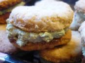 Biscuits apéritifs fourrés pesto