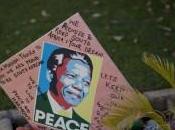 Nelson Mandela hospitalisé, silence inquiétant…