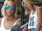 Beyoncé cheveux mi-longs très blonds, encore nouvelle tête (photo)