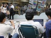 fans japonais font queue pour l'iPhone 5S...
