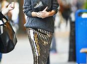 Aperçue dans rues York look rétro chic d'Alexa Chung...